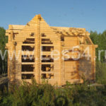 Загородный дом на берегу Бердского залива из оцилиндрованного бревна д. 240 мм