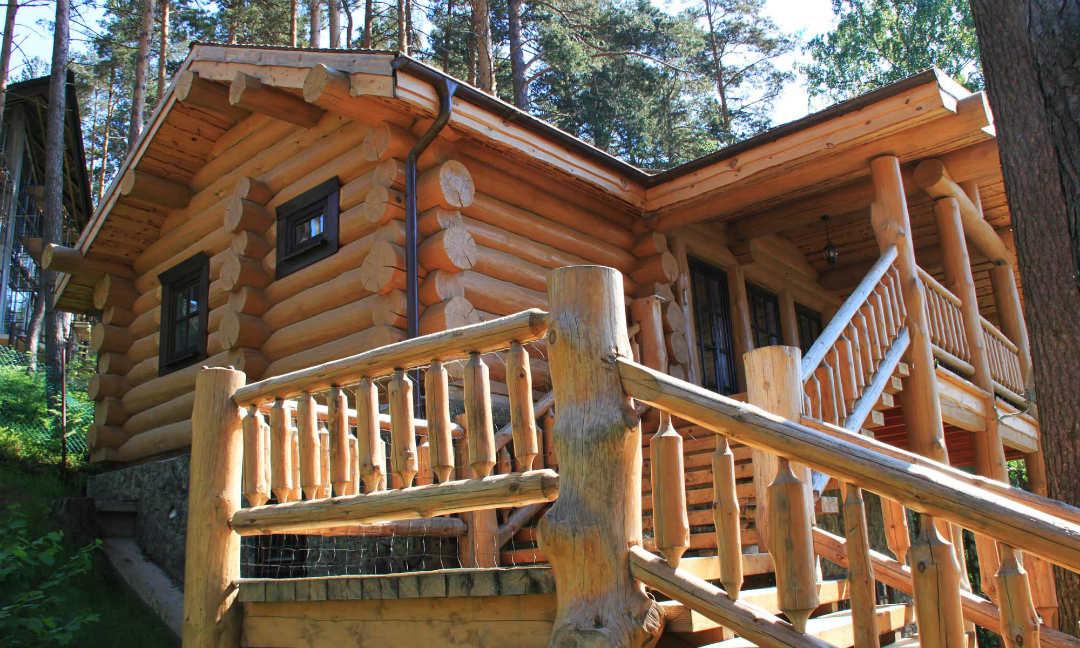 Дом из древесного массива